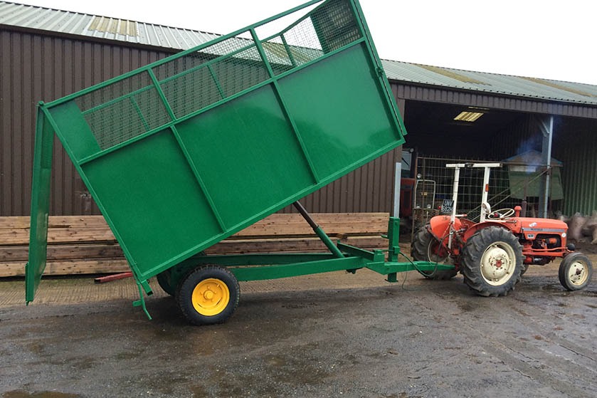 Horse Muck Traliers - Tipping with back open - Side View